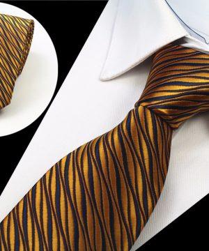 Spoločenská pánska kravata so zlatým vzorom