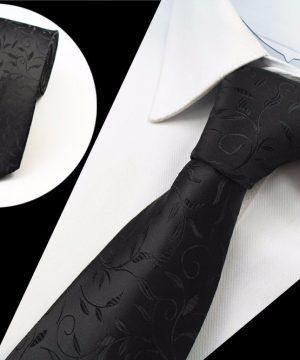 Luxusná pánska kravata s vetvičkami v čiernej farbe