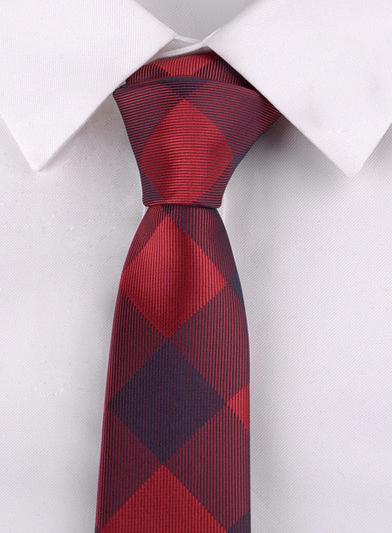 Luxusná pánska viazanka s červeným vzorom