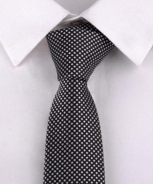 Luxusná pánska viazanka s čierno - bielym vzorom