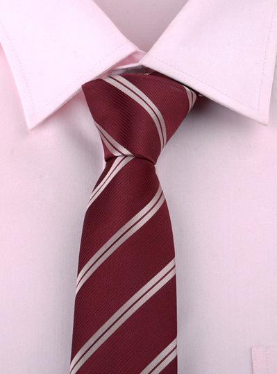 Luxusná pánska viazanka s červeno - bielym vzorom