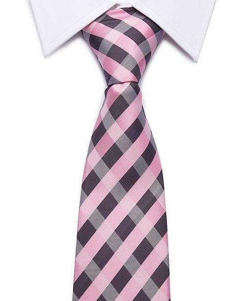 Kvalitná pánska kravata v ružovej farbe s pásikmi