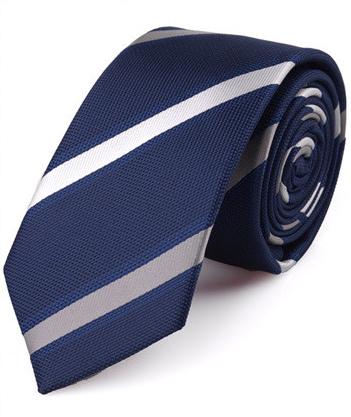 Kvalitná pánska viazanka so vzorom v modro-striebornej farbe