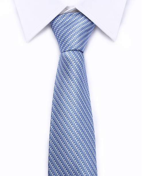 Kvalitná pánska kravata v svetlo modrej farbe so vzorom