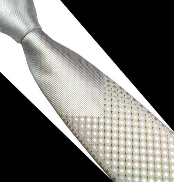 Pánska spoločenská kravata v strieborno - bielej farbe