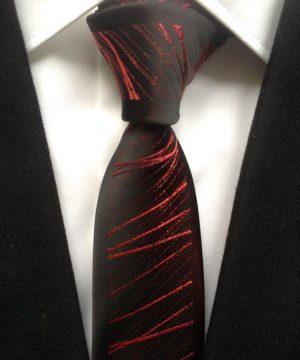 Luxusná viazanka v čiernej farbe s jemným červeným vzorom