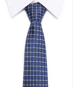 Kvalitná pánska kravata v modrej farbe s prepracovaným vzorom