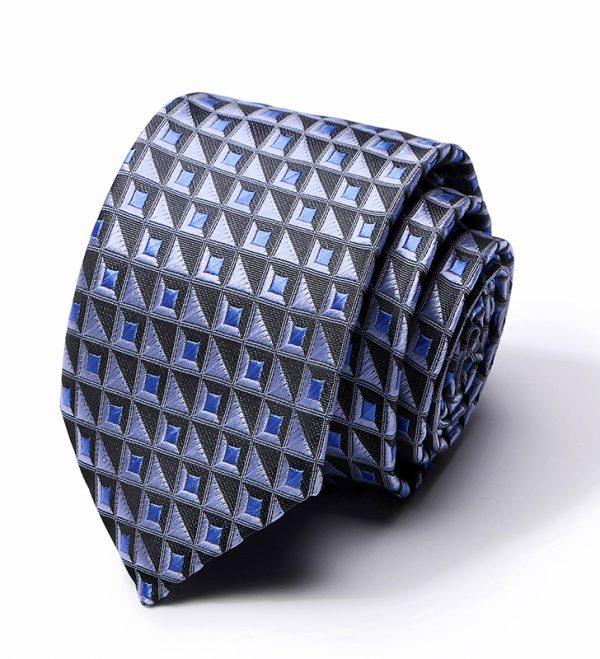 Kvalitná pánska kravata v modrej farbe so štvorčekami