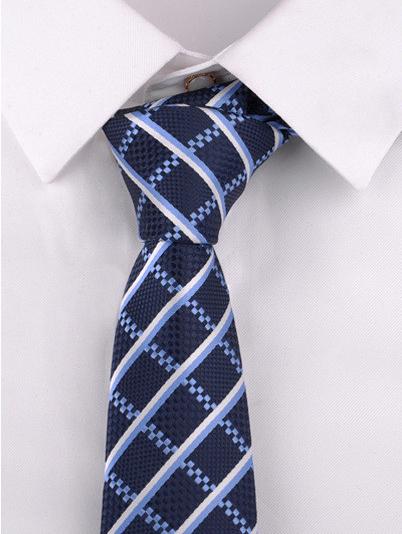 Luxusná pánska viazanka s modrým vzorom