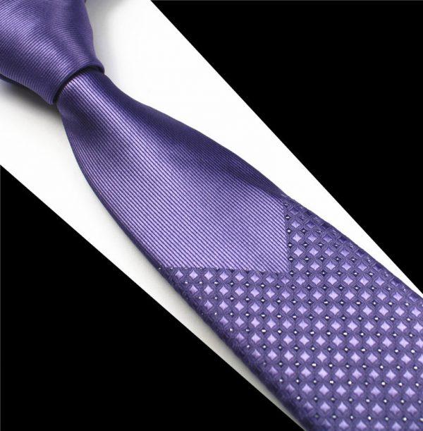 Luxusná pánska kravata vo fialovej farbe so vzorom