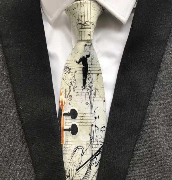 Prepracovaná pánska viazanka s husľami a hudobným motívom