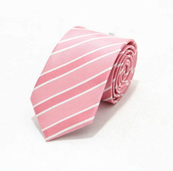 Moderná pánska viazanka v ružovej farbe s bielymi pásikmi