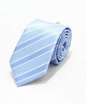 Moderná pánska viazanka v svetlo modrej farbe s pásikmi
