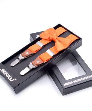 Sada kožených trakov a spoločenského motýlika v pomarančovej farbe