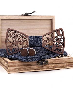 Prepracovaný reliéfny set - drevený motýlik + manžety + vreckovka