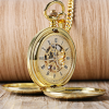 Elegantné pánske vreckové hodinky v zlatom retro prevedení