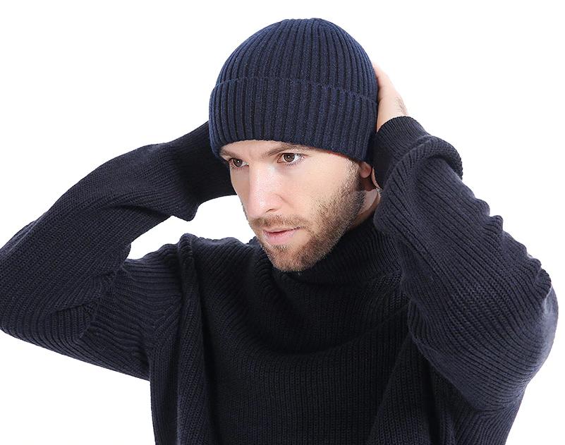 c63f9acfa Kvalitná bavlnená pánska čiapka na zimu v niekoľkých farbách