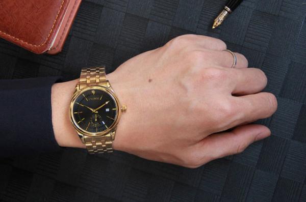 Luxusné ručičkové pánske hodinky v troch prevedeniach