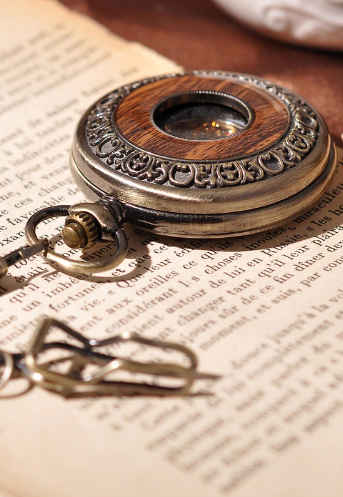 Luxusné vreckové pánske hodinky v bronzovej farbe s drevom