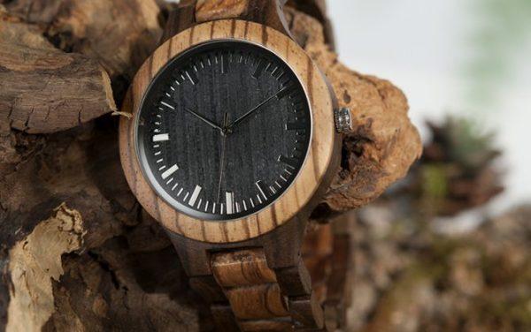 Prepracované drevené pánske hodinky s viac-farebným drevom