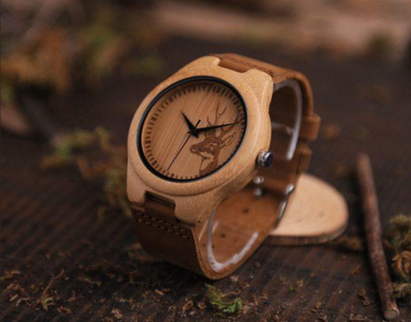 Luxusné drevené pánske hodinky s hlavou jeleňa a koženým remienkom