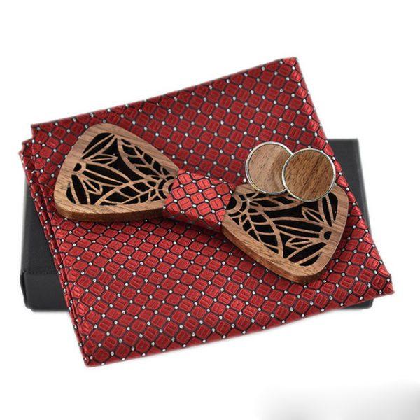 Drevený motýlik s reliéfom vo viac farbách + vreckovka + manžety
