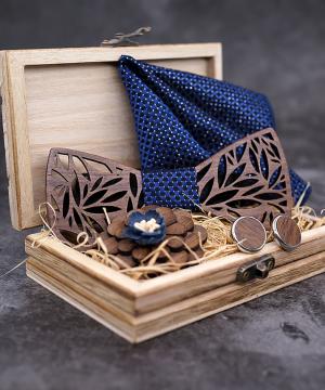 Viac-farebný drevený set - drevený motýlik+vreckovka+manžety+brošňa