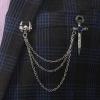 Prepracovaná pánska brošňa na šaty so strieborným gotickým motívom