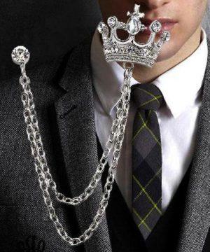 Prepracovaná brošňa pre pánov v tvare kráľovskej koruny s kryštálikmi