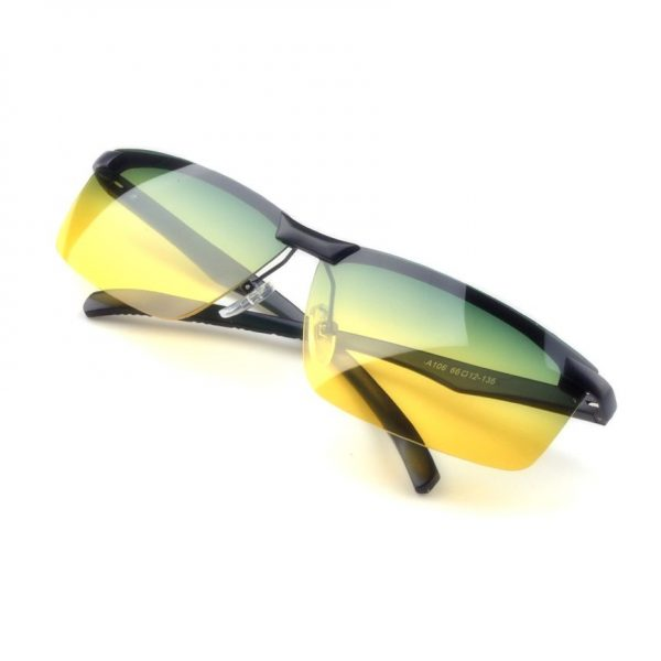 Kvalitné pánske okuliare na nočnú jazdu so čiernym rámikom