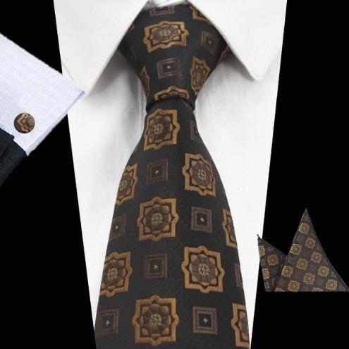 Pánsky kravatový set - kravata + manžety + vreckovka s hnedým vzorom