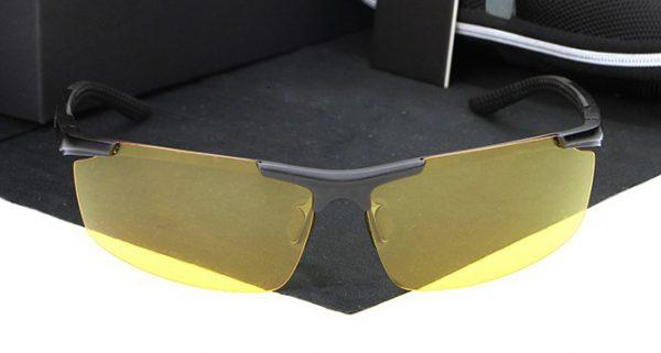 Štýlové pánske polarizované okuliare pre šoférov na noc a do hmly - čierne