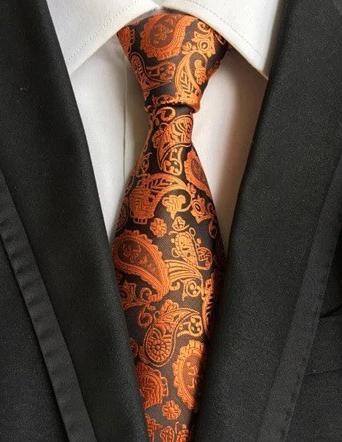 Spoločenská pánska viazanka s luxusným vzorom v tmavej pomarančovej farbe