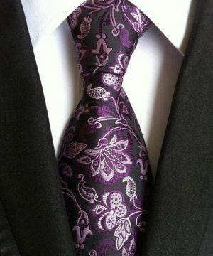 Pánska kravata s luxusným čierno-fialovým kvetinovým vzorom