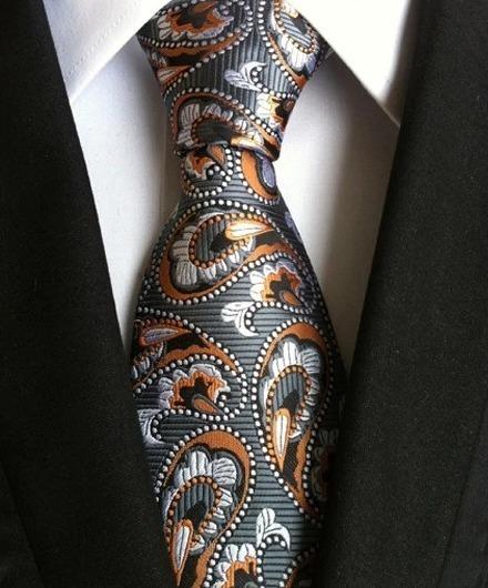 Pánska kravata s prepracovaným sivo-pomarančovým vzorom