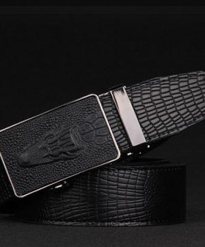 Pánsky opasok so vzorom krokodíla z čiernej kože s automatickou prackou (1)