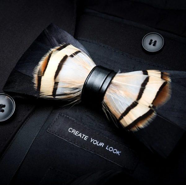 Luxusný pánsky motýlik z vtáčích pierok, hnedo-čierny