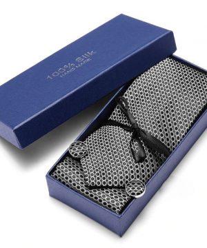 Pánsky darčekový set - kravata + manžety + vreckovka s čierno-bielym vzorom