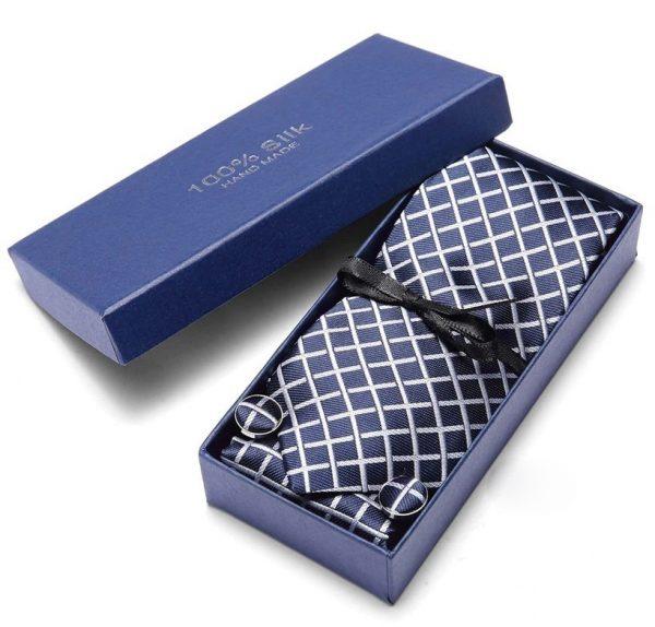 Pánsky darčekový set - kravata + manžety + vreckovka s modro-bielym vzorom