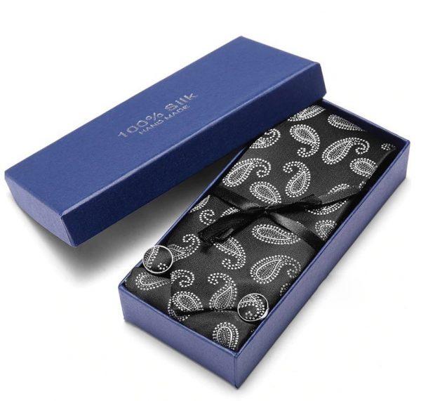 Pánsky darčekový set - kravata + manžety + vreckovka v čierno-bielej farbe