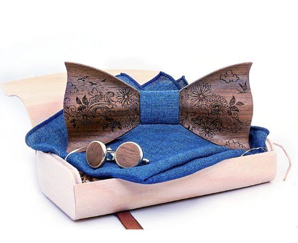 Prepracovaný gravírovanýset - drevený motýlik + manžety + vreckovka