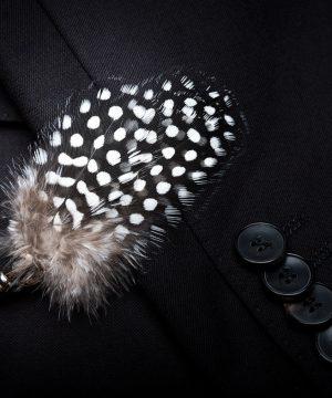 Luxusná sada - pánsky motýlik z vtáčích pierok a brošňa na šaty model_07