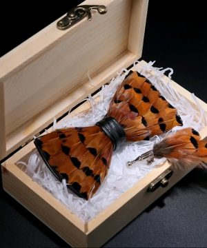 Luxusná sada - pánsky motýlik z vtáčích pierok a brošňa na šaty model_08
