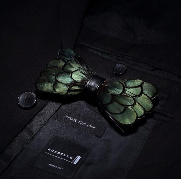 Luxusná sada - pánsky motýlik z vtáčích pierok a brošňa na šaty model_09