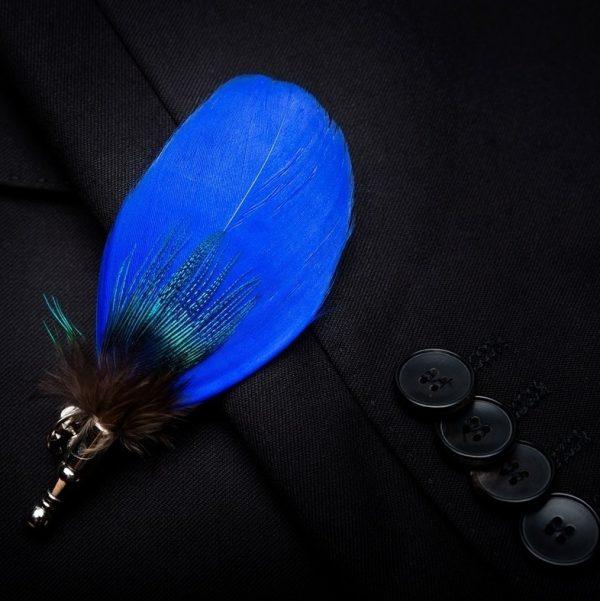 Luxusná sada - pánsky motýlik z vtáčích pierok a brošňa na šaty model_10