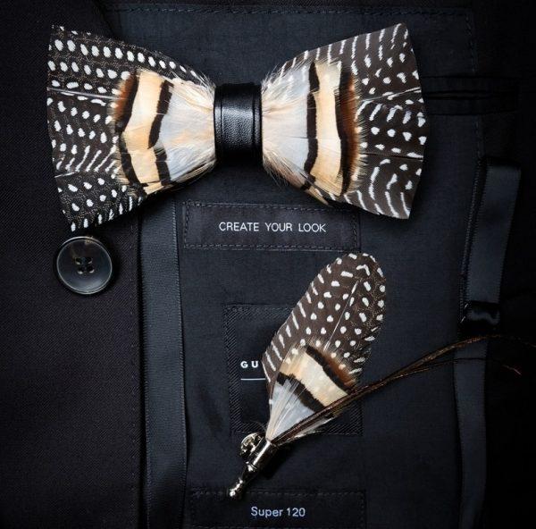 Luxusná sada - pánsky motýlik z vtáčích pierok a brošňa na šaty model_23