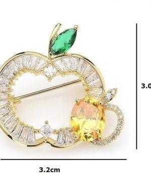 Prepracovaná smaltovaná brošňa prívesok na krk v podobe jablka