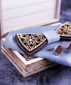 Dvojfarebný set - drevený motýlik+brošňa+manžety+vreckovka