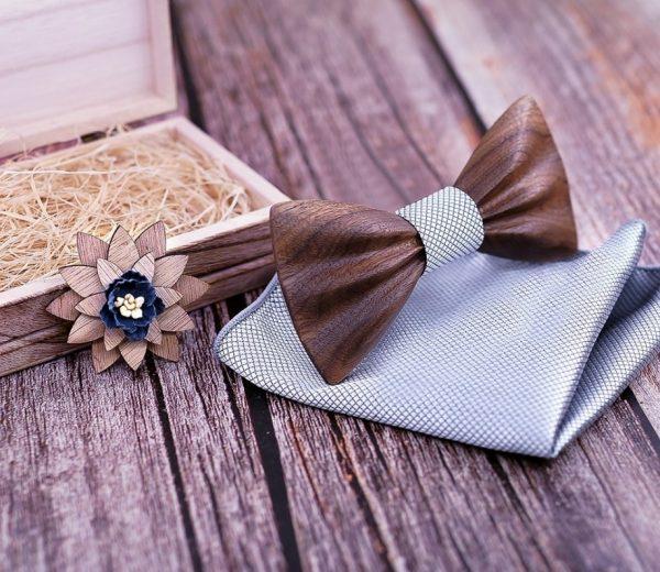 Motýlikový set z tmavého orechového dreva - drevený motýlik + brošňa + vreckovka
