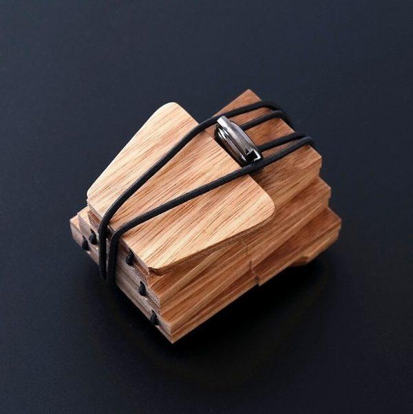 Pánska drevená kravata z prírodného svetlého dreva